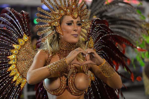 karnaval-coskusu-basladi-karnaval-rio-brezilya-samba-2014-1417734
